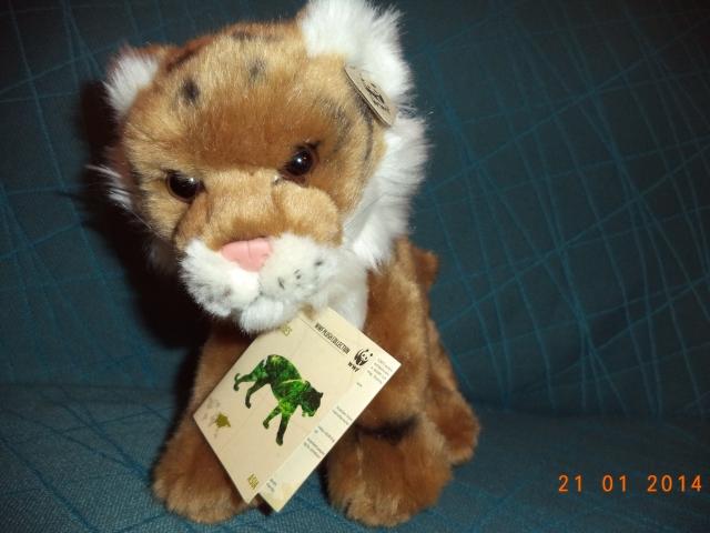 Den här är så fin, jag älskar den redan! Eftersom jag älskar tigrar, och gosedjur, är det inte så konstigt...  ;) Men den är så mjuk...